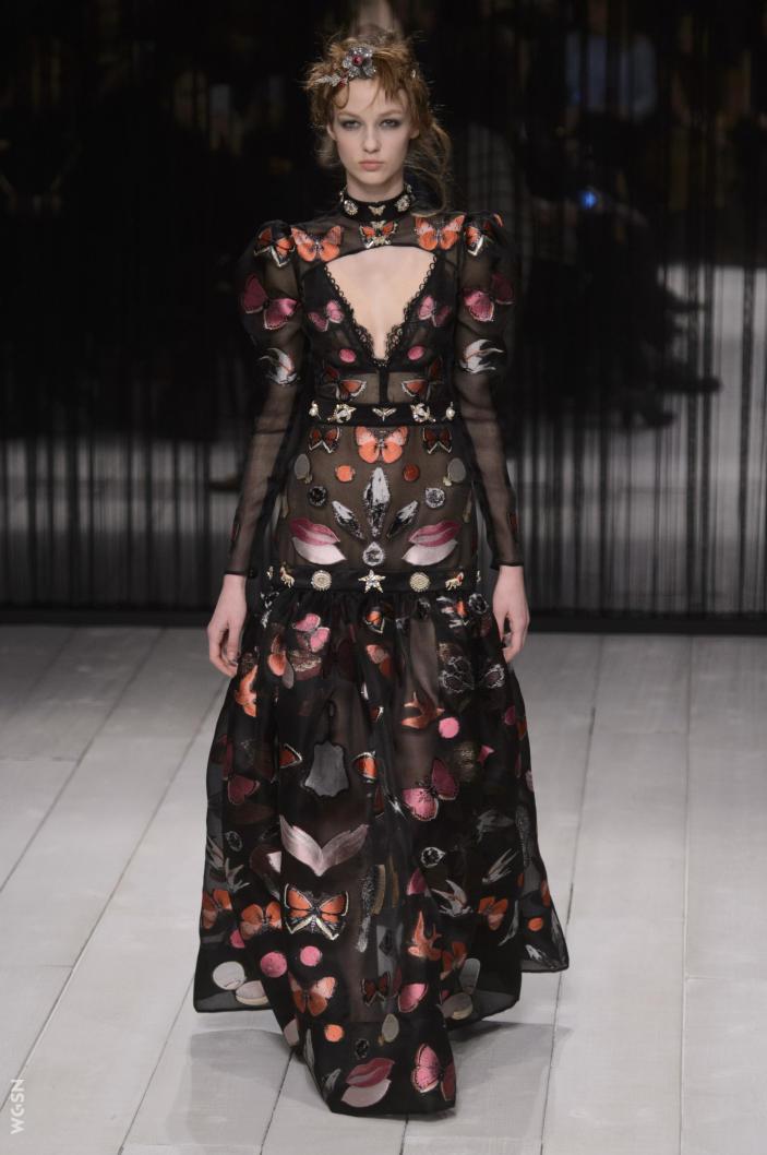 Universidad_Jannette_Klein_blogjk_Top_20_womenswear_brands_to watch_London_Fashion_Week_Fall_2016_Alexander_McQueen