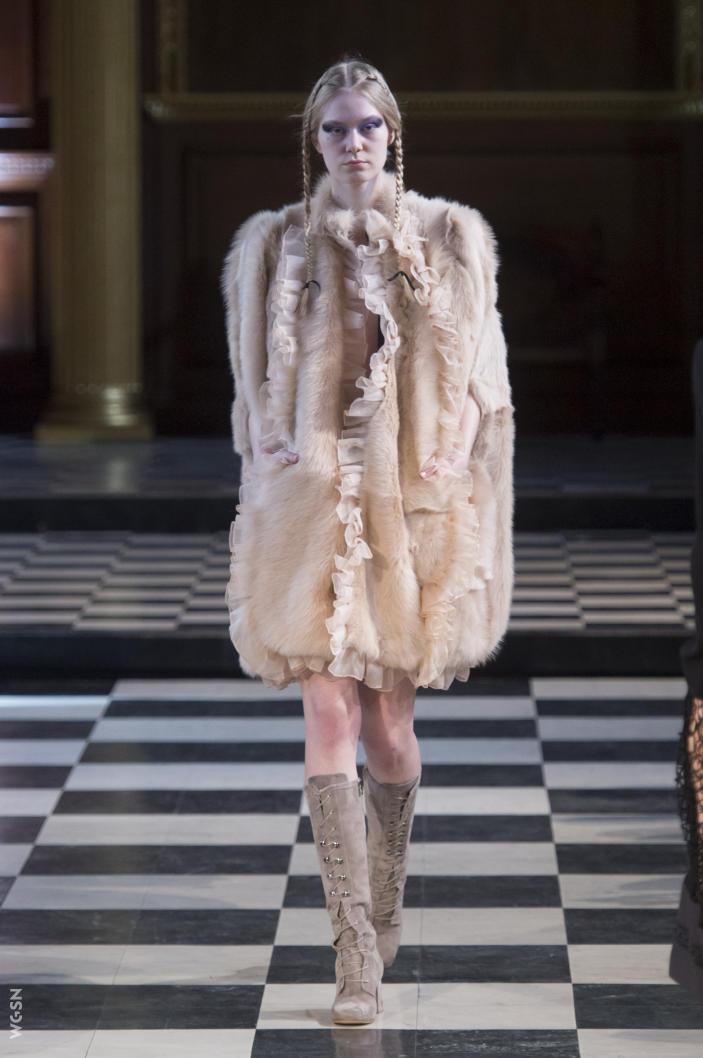 Universidad_Jannette_Klein_blogjk_Top_20_womenswear_brands_to watch_London_Fashion_Week_Fall_2016_Bora_Aksu