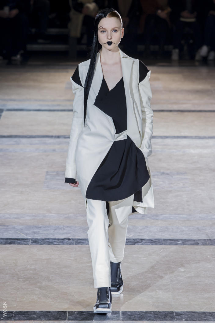 Universidad_Jannette_Klein_blogjk_Top_20_womenswear_brands_to_ watch_Paris_Fashion_Week_Fall_2016_Yohji_Yamamoto